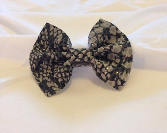 Leather bow, leather bow clip, snake skin leather, hair bow, leather hair bow, small hair clip, baby bow, leather bow hair clip