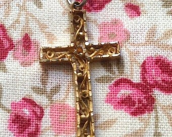 Pendant cross gold yellow Vintage 35 x 15 mm