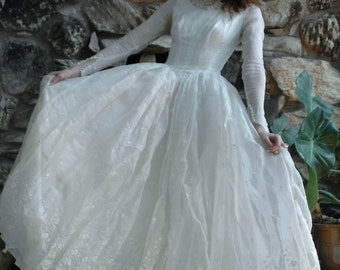 White antique wedding dress