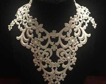 Venise Lace Necklace with Swarovski Crystals and Pearls
