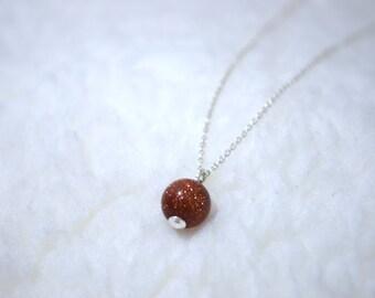 Minimalistische Zilveren Ketting met Goudsteen / Minimalistic Silver Necklace with Goldstone