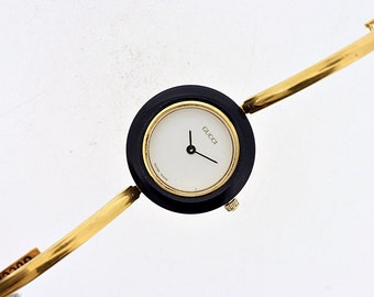 Authentic classic women's Gucci watch in gold