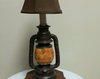 Hurrican Lantern Accent Lamp