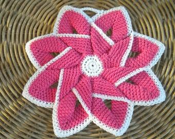Crochet Potholder, crochet  pinwheel  fucsia. Decorating kitchen. Kitchen decor. Potholder star. flower pot holder