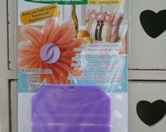 Clover Kanzashi Flower Maker Gathered Petal Large 8485 3in