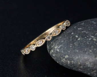 Yellow Gold Diamond Wedding Band - Milgrain Band - Leaf & Round Shape