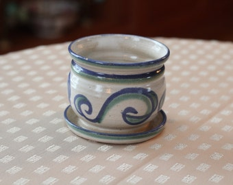 Vintage Pottery Flower Pot with Swirl Design