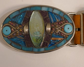 Belt buckle with turquoise glass