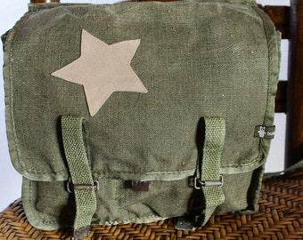 Army Umhängetäsche with many inside pockets / / leather star.