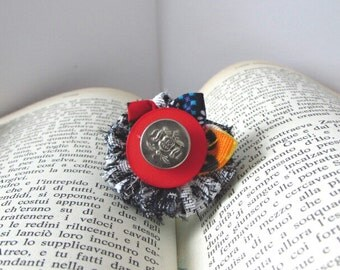 One of a Kind, Small Brooch, Art Gift, Wearable Art, Original Jewelry, Vintage Style, Boho Chic, CustomGlam, Handmade Brooch, Flower Jewelry