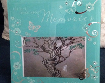 Stunning memories photo frame with tree of life print