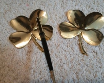 24 Karat Gold! four leaf clover paperweights, set of 2, one is a pen holder.