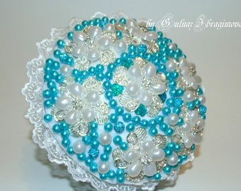 white+turquoise pearl brooch bouquet
