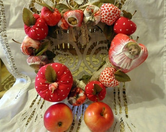 Red apples wreath