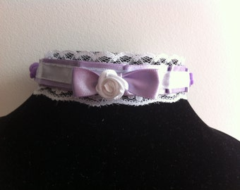 Ruffled Lilac And Lace Collar With Resin Roses