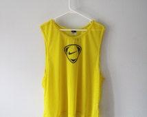 VINTAGE NIKE Bright Yellow Mesh Vest / Tank Top Sporty - size L