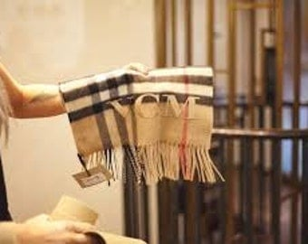 Burberry look  monogrammed scarf