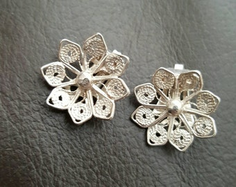 Silver filigree flower Clip-on on earrings