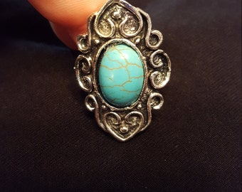 Beautiful Vintage Style Turquoise Ring