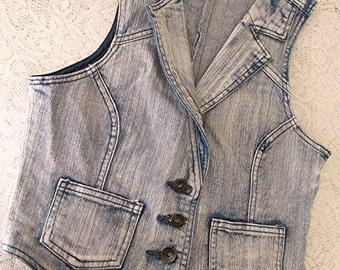 Denim vest denim waistcoat ladies denim vest denim clothing vintage 90s US size 6 hippie boho.
