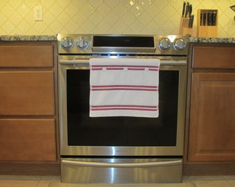 Hanging kitchen towel button top red stripe