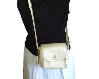 Coach Cross Body Bag Coach Leather Crossbody Ivory Tone Handbag Brass Hardware