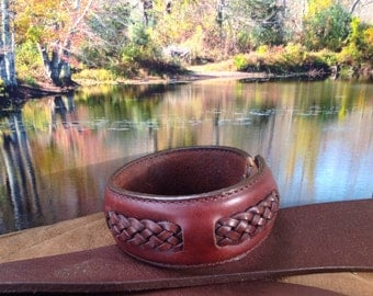 29 weave pattern design on the leather brown bracelet