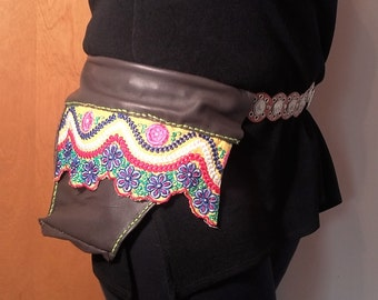 Flowered Fanny-Pack