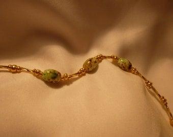 Green Lamplight Bead Bracelet
