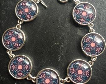 Pretty Silver tone Bracelet
