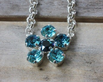 Flower shaped crystal necklace