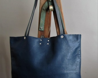 Genuine leather purse, navy blue, sac cuir in spanish