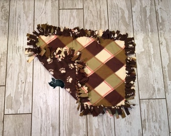 21 x 23 Hand Tied Green Plaid/Paw Print Fleece Pet Blanket