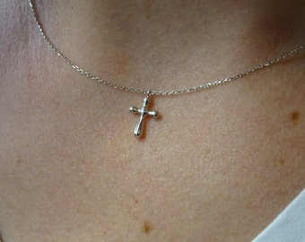 Tiny gold cross 14K everyday usage Simple made Bridesmaid's gifts.Mininalist Charm Necklace