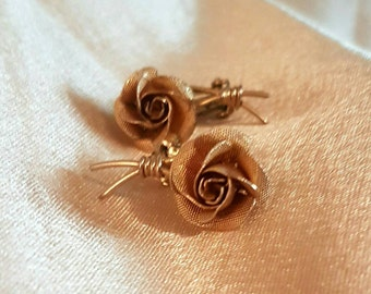 Gold Tone Vintage Rose Clip On Earrings