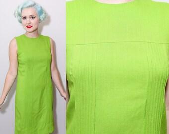 1960's Green Mod Sleeveless Shift Dress / Small