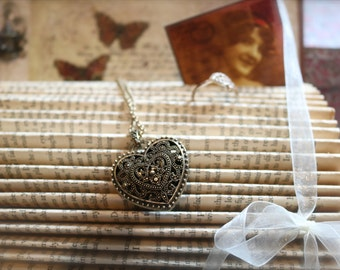 The Secret Garden ~ folded jewellery book