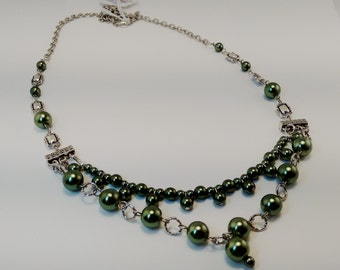 Green Glass Pearl Vintage inspired Necklace