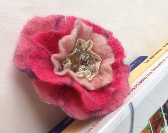 Felted Flower Brooch Brooch Felt  Pink Flower Brooch Flower Felt  Felted Wool Flower Pin Flower Felt Pin beads