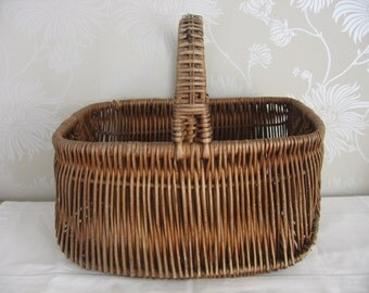 Vintage Wicker 1930's Traditional Shopping Market Gathering  Basket