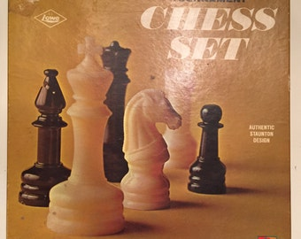 1969 Vintage Tournament Chess Set by E S Lowe. NO. 802