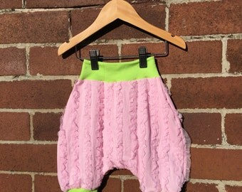 Vintage Retro Style Frilly Toddler Bloomers Shorts - Size 2