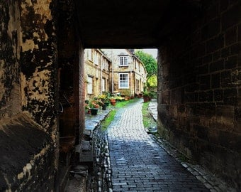 The Cotswolds - England - Alleyway - English Village - Photo