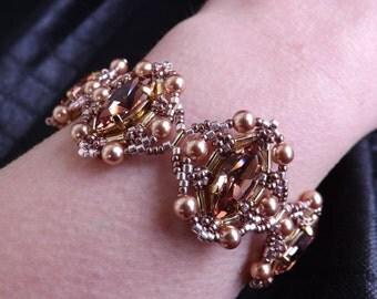 """Bracelet with Swarovski shuttles """"Blush rose"""""""
