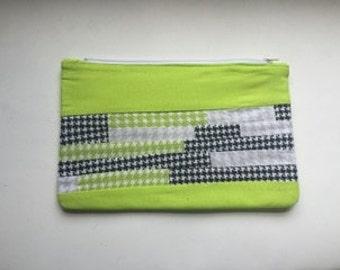 Scrappy Clutch Zipper Bag- Houndstooth