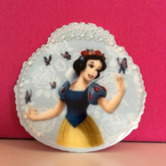 Reduced 2 Snow White Planar Resin Flatback cabochon bow centre embellishments Acrylic Disney Brooch Jewellery making button diy pin dwarfs