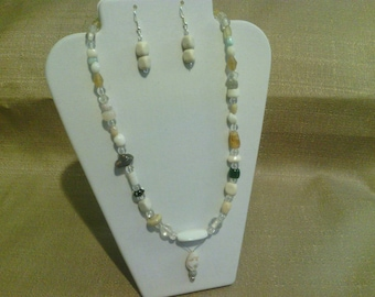 236 Primitive Style Pastel Colored Beads Beaded Pendant Choker