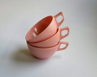 Pink retro Melmac cups Sun Valley melmac vintage melmac cups  pink melamine cups glamping kitchenware