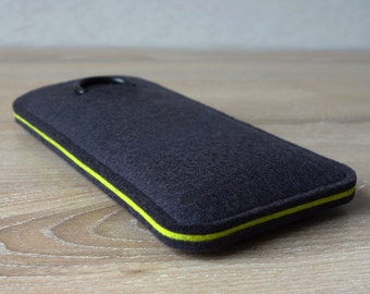 S7 ANTHRACITE/LIME · Cell phone case for Samsung Galaxy S7 with pull tab sleeve case made of wool felt