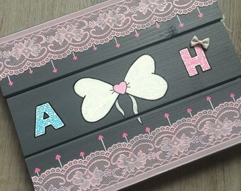 Table wooden lace bow and initial to personalize